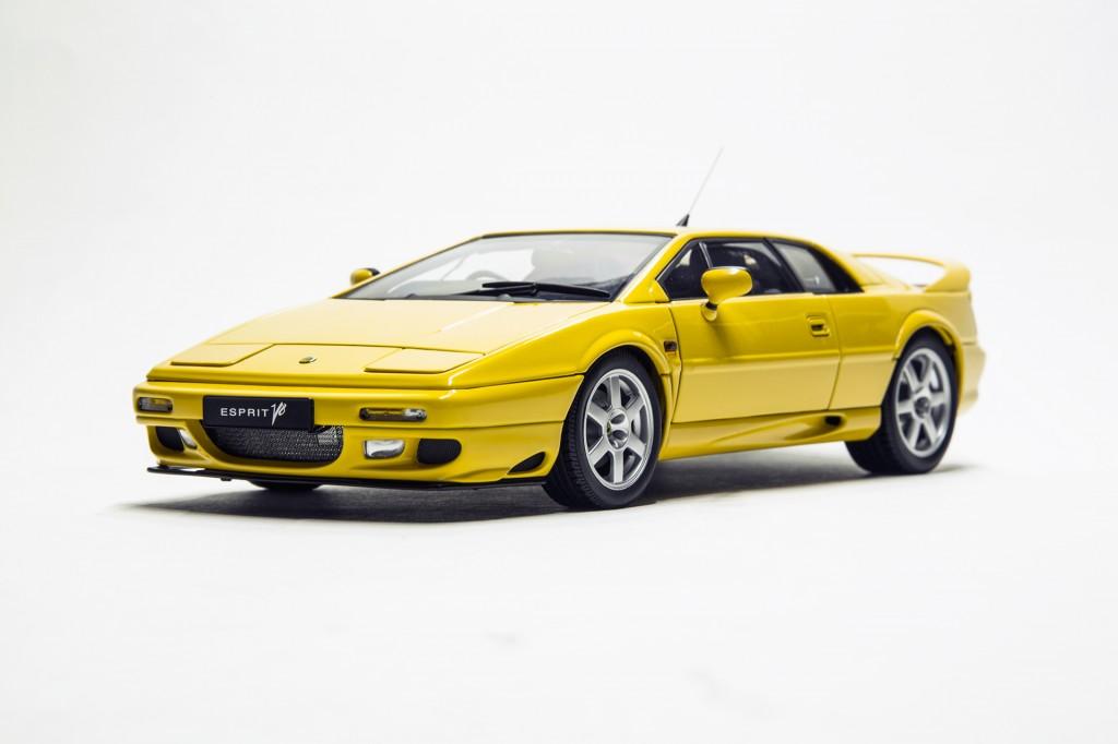 Lotus Esprit V8 - Autoart 00