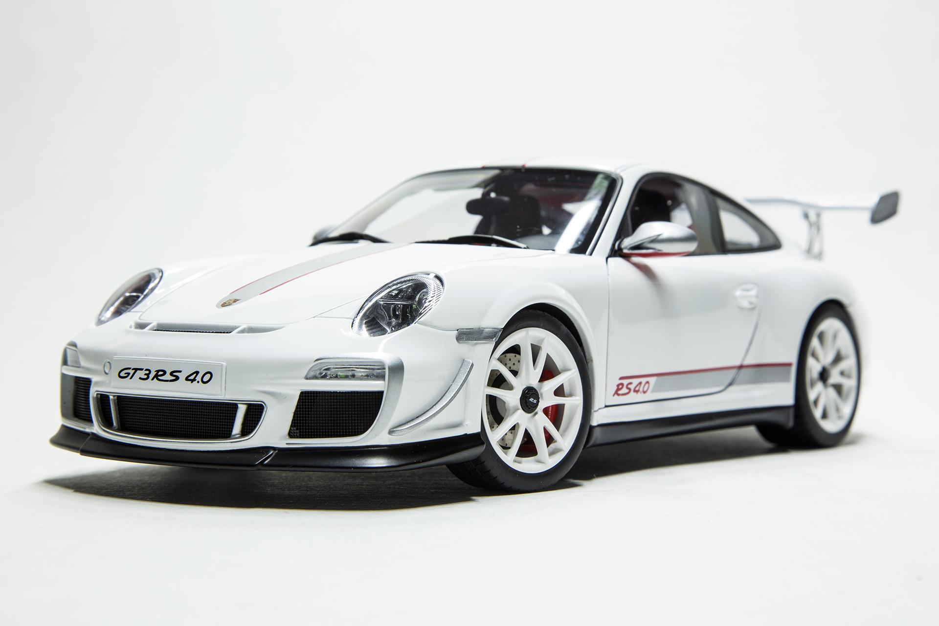 18diecast Com 1 18 Scale Diecast Model Cars Porsche 911 Gt3 Rs 4 0 997 White Autoart 78147