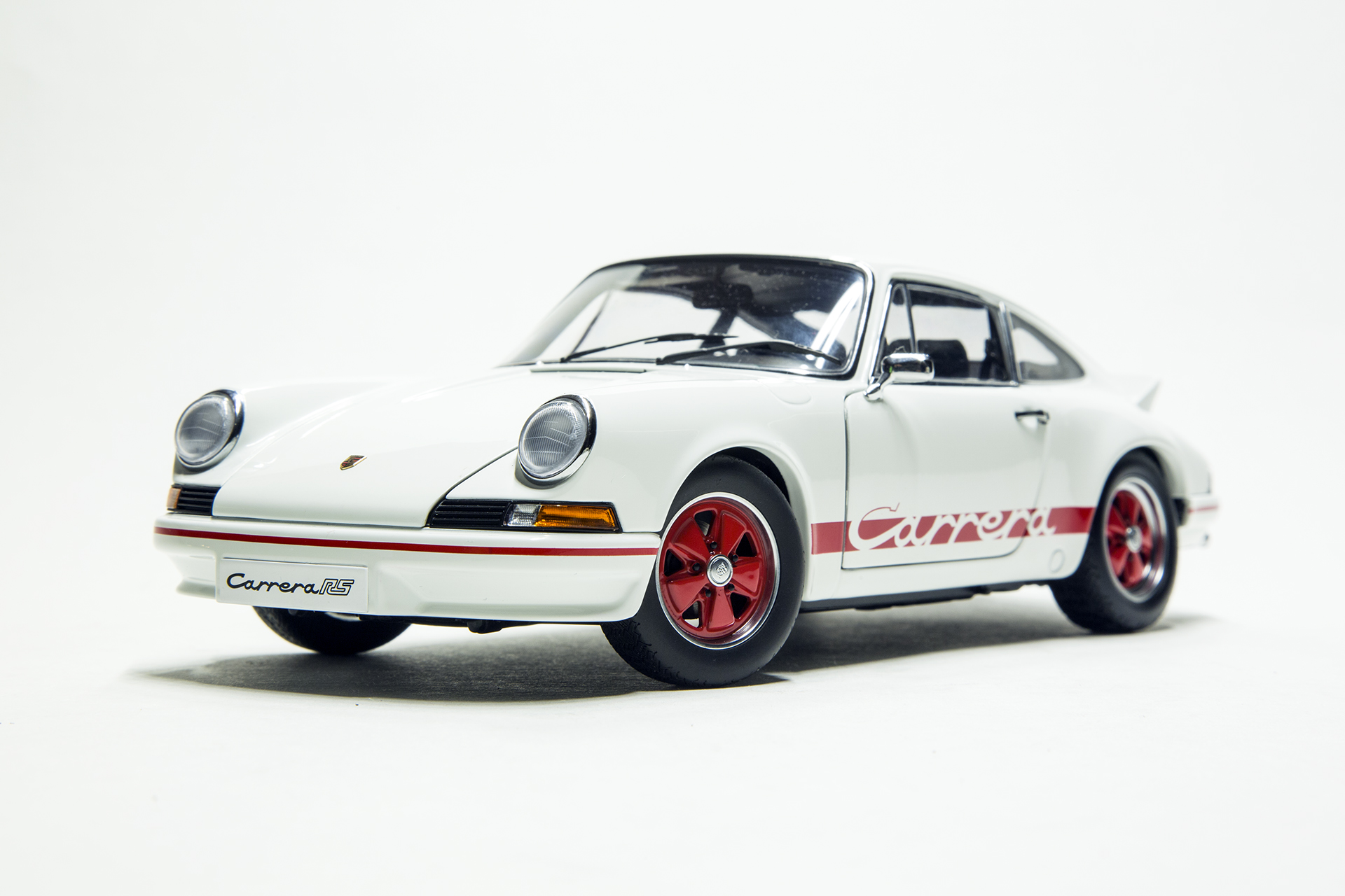 2015-light green with White Stripes Minichamps 1:18 Porsche 911 gt3 RS 991